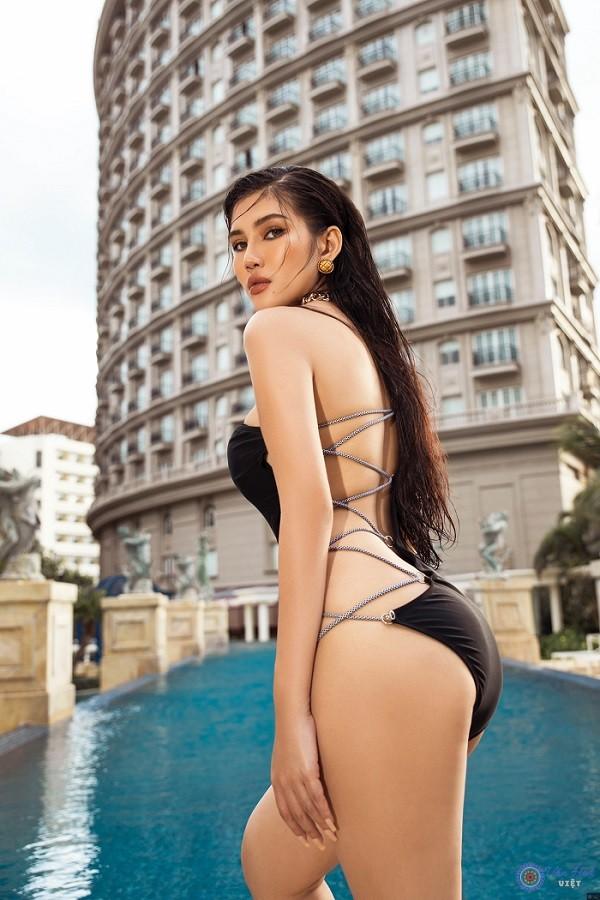 Mê mẩn với thân hình nóng bỏng của doanh nhân Võ Thị Hồng Nhung